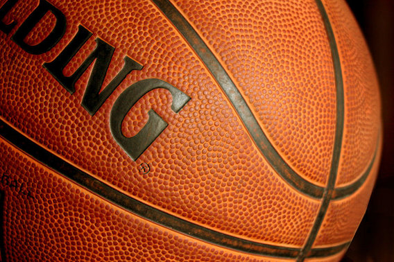 800px-basketball_ball385428_9836