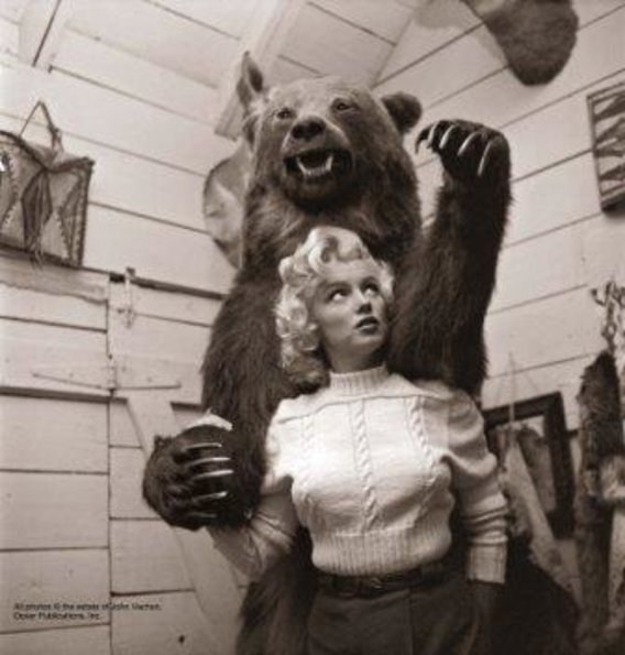 Marilyn_and_bear