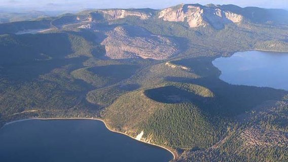 Newberry_caldera_oregon