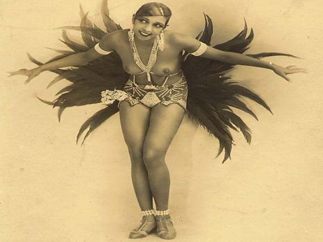 a biography of josephine baker Josephine baker was born freda josephine mcdonald in 1906, st louis, missouri she grew up in an impoverished family and began work early in white households the beginning of her working life gave her first-hand experience of racism and abuse.