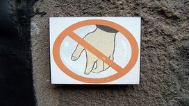 Grope_sign