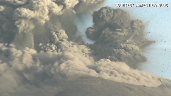 Coren.indonesia.volcanoes.cnn.640x360