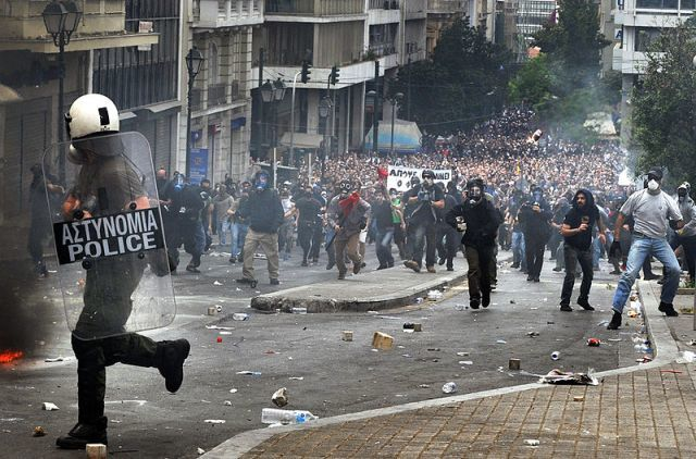 800px-may_2010_greek_protests