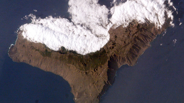 El_hierro_sat__cloud_cover_10_