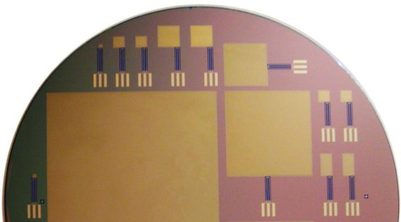 Silicon%20chip%20brain%20implant