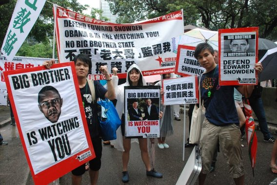 Protesters_rally_in_hong_kong_to_support_edward_snowden_15