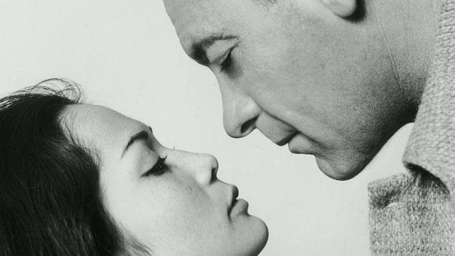 782px-nancy_kwan_and_william_holden_in_the_world_of_suzie_wong