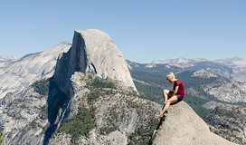 Girl_posing_at_glacier_point_yosemite_2013