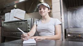 Minimum_wage_worker