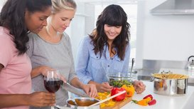Friends_cooking