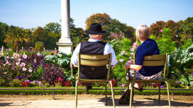 Older_couple_sitting
