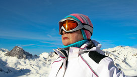 Woman_skiing