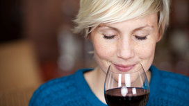 Woman_smelling_wine