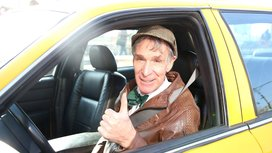 Bill_nye_driving_a_taxi