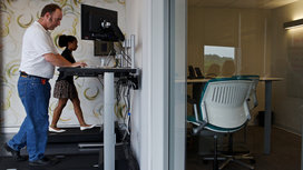 Treadmill_desk_walk