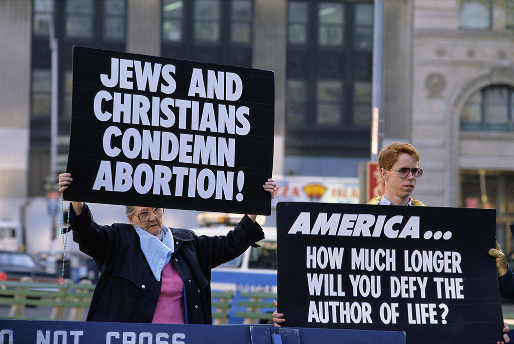 """the pro lifestyle of christians The truth about christianity and abortion  most pro-life christians will use the argument that the simple command of """"you shall not murder"""" ."""
