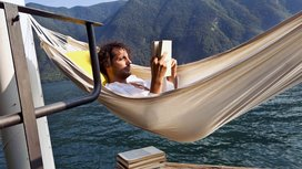 Reading_alone