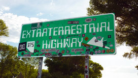 Alien_area_51_ufo_extraterrestrial_highway_rachel_nevada_aliens_street_sign-1346404