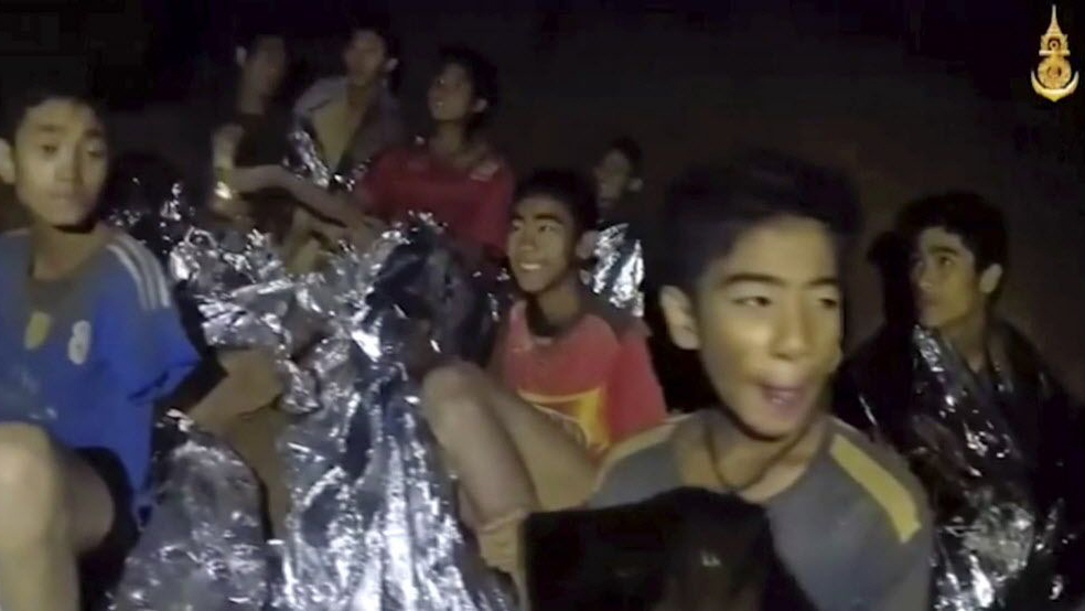 Cave rescue hailed as Thailand's 'mission impossible'